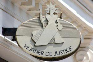 Huissier-de-Justice-e1482843128325
